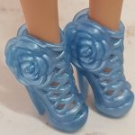Blue Rose Cha-Cha heel shoes for Barbie doll
