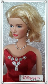 """Diamond"" jewelry for Barbie dolls"