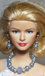 Metallic blue jewelry for Barbie doll