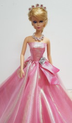 Pearl-pink ball gown