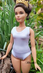 Leotard for Curvy Barbie – solid colors