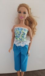 Blue flower top and capris